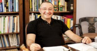 Prof. Dr. Emre Acaroğlu